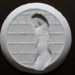 Figura femminile infondo al piatto -2014